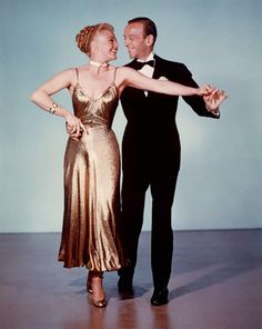 FRED AND GINGER 💎-- from Fred Astaire by Joseph Epstein. The legendary duo of Fred Astaire and Ginger Rogers, and the art of acting. Do great actors feel more emotion than the rest of us? Golden Age Of Hollywood, Vintage Hollywood, Hollywood Glamour, Classic Hollywood, Hollywood Fashion, Ginger Rogers, Fred Astaire, Katharine Hepburn, Audrey Hepburn