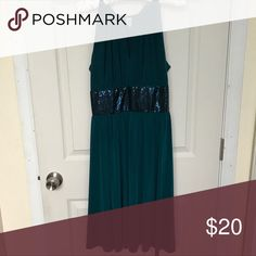 Emerald green & sequin party dress 👗 Halter style neck & flowing skirt make this dress very flattering to all body types. Dresses Midi