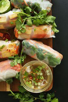Banh Mi Spring Rolls - use tofu rather than pork :) Vegan Vegetarian, Vegetarian Recipes, Healthy Recipes, Vegetarian Spring Rolls, Vegan Spring Rolls, Vegan Food, Think Food, Love Food, Baker Recipes