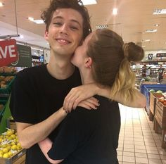BUT DOES TROYE NOT REMIND YOU OF FINNICK ODAIR LIKE ?????????