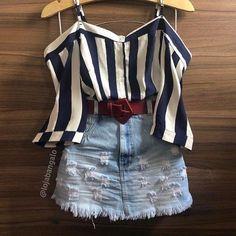 A imagem pode conter: shorts e listras K Fashion, Teen Fashion Outfits, Outfits For Teens, Stylish Outfits, Korean Fashion, Girl Outfits, Fashion Dresses, Moda Fashion, Cute Summer Outfits