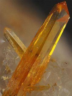 Tellurite - Bambolla Mine, Moctezuma, Sonora, Mexico