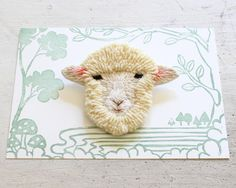 Pin: Embroidery sheep  フェルト刺繍の羊 by PieniSieni