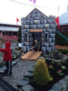 Castle Charity Playhouse - traditional - kids - seattle - Quantum Construction, Inc.