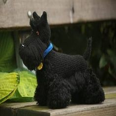 Crochet Toys Amigurumi Crochet Dog Scottish Terrier Free Pattern - Amigurumi - Scottish terrier Here I will share with you how I made my Scottish terrier, Buster. Buster is roughly 30 cm long and 25 cm tall,… Crochet Amigurumi Free Patterns, Crochet Headband Pattern, Crochet Dolls, Scottish Terrier, Dog Pattern, Cute Crochet, Dog Crochet, Scottie Dog, Ideas