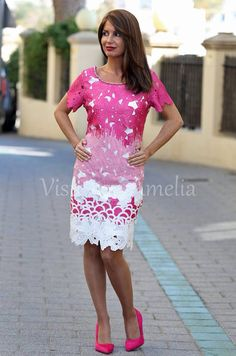 """Un flechazo! Para las que queríais algo fucsia y original, aquí va mi propuesta: #Vestido """"Alba"""" con abalorios en el escote. Tallas S/M, M/L y L/XL - 49,99€. #Zapatos fucsia, tacón  sensato, efecto piel melocotón. Tallas 36 a 41 - 24,99€. #modaprimavera #modamujer #vitsteconamelia"""