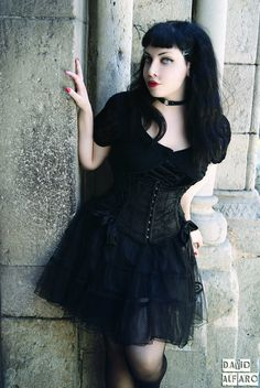 Angel After Dark. Top Gothic Fashion Tips To Keep You In Style. As trends change, and you age, be willing to alter your style so that you can always look your best. Consistently using good gothic fashion sense can help Dark Beauty, Goth Beauty, Steampunk, Death Metal, Cyberpunk, Corset, Grunge, Goth Shoes, Gothic Mode