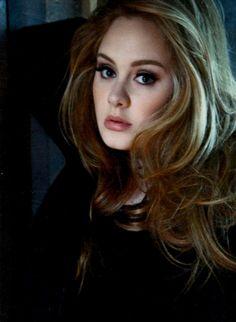 adele - Love her hair / make up Adele Adkins, Divas, Britney Spears, Taylor Swift, Pretty People, Beautiful People, Beautiful Voice, Adele Photos, Adele 25