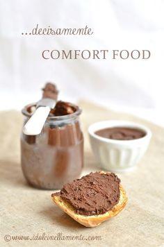 Crema spalmabile di nocciole e cioccolato fondente all' olio d oliva