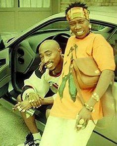 #wcw . . . . #afenishakur #2pac #tupacshakur #blackexcellence #blackpanther #blackgirlmagic #streetstyle #90sstyle #lafreakvintage #vintage #makaveli #candid