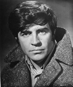 ❤️Alan Bates, so handsome and a Great Actor. Uk Actors, Actors Male, British Actors, Actors & Actresses, British Celebrities, Alan Bates, Portrait Photography Men, Film Archive, Adventure Film