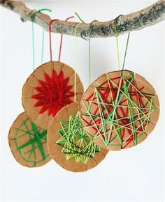 Woven ornaments and lots of other Christmas crafts for kids Kids Crafts, Holiday Crafts For Kids, Diy For Kids, Holiday Fun, Holiday Cards, Holiday Quote, Thanksgiving Holiday, Noel Christmas, Christmas Ornaments