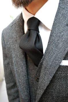 Herringbone suit details!