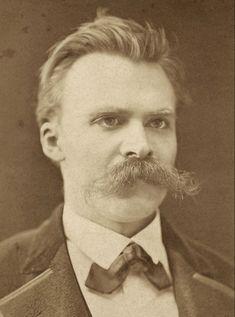 """""""244. Myśli i słowa. – Nawet własnych myśli nie można w pełni oddać słowami. 245. Pochwałą jest sam wybór. – Artysta wybiera sobie tematy – to jego sposób pochwały."""" #Nietzsche #Friedrich #wiedza #radosna"""