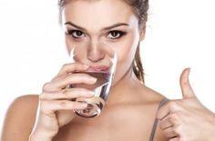 1°segreto per un corpo e pelle perfetti: BERE ACQUA! leggi di più su: www.aquaessentia.it/tile/1-segreto-pelle-corpo-perfetti/