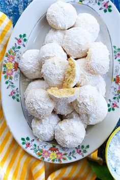 Lemon Snowball Cookies Recipe, Mother's Day Cookies, Wedding Cookies, Something Sweet, Cookie Bars, Just Desserts, Healthy Snacks, Sweet Tooth, Treats