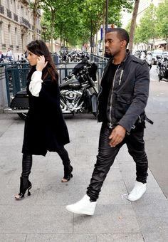 Kim Kardashian Photos - Kim Kardashian and Kanye West in Paris - Zimbio