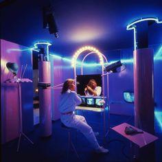 ▓ ♜ ☾ Cybernetic habitat part la casa telematica by Ugo La Pietra 80s Interior Design, 80s Design, Interior And Exterior, 1980s Interior, Studio Design, Room Interior, Graphic Design, 80s Furniture, Mario Bellini