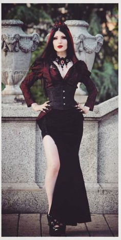 Gothic and Amazing Tribal Fusion, Goth Beauty, Dark Beauty, Dark Fashion, Gothic Fashion, Punk Outfits, Fashion Outfits, Dark Black, Steampunk Fashion Women