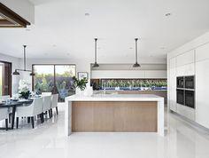 Open Plan Kitchen Living Room With Island Interior Design Open Plan Kitchen Living Room, Open Plan Living, Home Decor Kitchen, Kitchen Interior, Home Kitchens, Open Kitchen, Kitchen Dinning, Kitchen White, Küchen Design