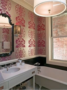 Isabella & Max Rooms: Glamour Girl Row House
