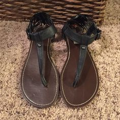 STEVE MADDEN SANDLES These sandles have been worn which is why I have the price so low! They are in great condition though, even the stickers are still somewhat on them (towards the back in the photos) the only sign of usage is the soles but who sees that anyways! Great shoe! Steve Madden Shoes Sandals