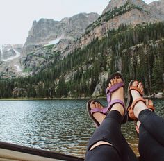 Our summer essentials = happy toes and a hammock with a view. Find your spot in a pair of Originals. #TevaUpgrade