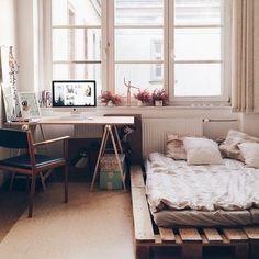 Bırakın yatağınız dağınık kalsınYard Palet Yatak sayesinde yatak odanıza yeni bir hava katabilirsiniz. #yatakodası #yardpaletyatak #kadirinatölyesi #yatak #yatakodasitakimi #yatakodasi #ahşapdekor #ahsapdekorasyon #odadekorasyonu #konfor #ücretsizkargo