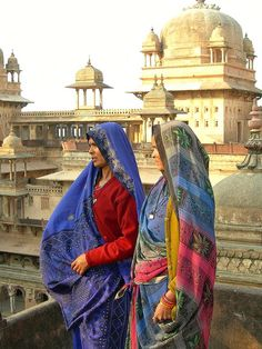 women in orcha We Are The World, Small World, Air India, India India, Amazing India, Madhya Pradesh, Indian Heritage, Henna, Cultural