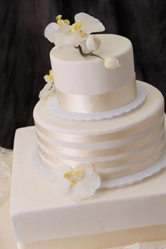 Wedding Cake Pictures, Fall Wedding Cakes, Unique Wedding Cakes, View Cakes | Bellagala 651-227-1202