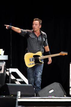 Bruce Springsteen Photos: Hard Rock Calling 2009 - Day 3