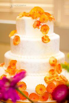 Wedding cake -- wedding photography
