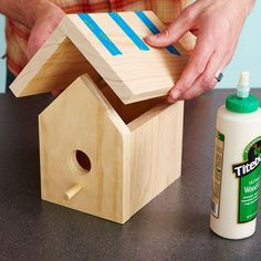 Learn how to build a bird house from a single pine board. Use these simple bird house plans from Lowe's to cut and assemble a birdhouse for bluebirds or cardinals. Bird Houses Painted, Decorative Bird Houses, Bird Houses Diy, Bird House Plans Free, Bird House Kits, Owl House, Birdhouse Designs, Diy Birdhouse, Modern Birdhouses