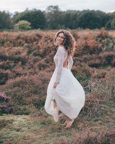 beautiful wedding dress from @victoriaruesche / boho wedding köln #bohowedding #weddingphotographer #hochzeitsfotografköln
