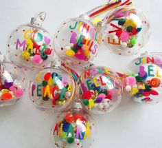 DIY personalized christmas baubles DIY colorful christmas tree ornament ideas - Gifts and Costume Ideas for 2020 , Christmas Celebration Christmas Spheres, Diy Christmas Baubles, Colorful Christmas Tree, Noel Christmas, Retro Christmas, Holiday Crafts, Mexican Christmas Decorations, Christmas Pom Pom, Whimsical Christmas