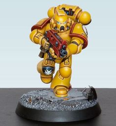 Found another pic of this guy that I thought looked pretty cool #imperialfists #spacemarines #goldendemon #warhammer40k #gamesworkshop #miniaturepainting