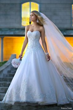 stella york bridal 2014 strapless wedding dress style 5833 close up sweetheart bodice