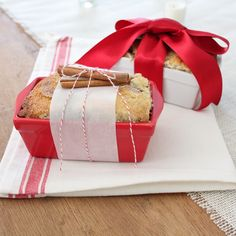Holiday or hostess gift idea with easy cinnamon bread recipe