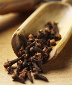 10 rimedi naturali per combattere il mal di denti - Ambiente Bio