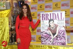 #EshaGupta unveils 5th edition of Hindu #BridalMantra Magazine Photos  More Stills @ http://kalakkalcinema.com/esha-gupta-unveils-5th-edition-of-hindu-bridal-mantra-magazine-photos/