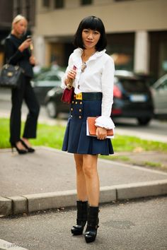 Pinned from GastroChic: Flared Skirt, Outside Gucci #fashion #streetstyle