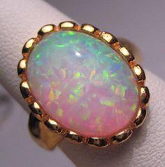 Anello Vintage Opal grande Estate nozze d'oro di AawsombleiJewelry su Etsy https://www.etsy.com/it/listing/229101501/anello-vintage-opal-grande-estate-nozze