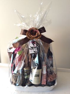 Coffee Baskets, Wine Gift Baskets, Baby Shower Gift Basket, Baby Shower Gifts, Baby Gifts, Golf Drawing, Real Estate Gifts, Wine Festival, Valentine Gifts