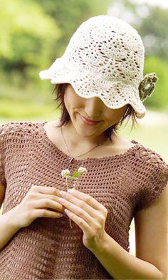 Crochet lacy hat - free diagram pattern