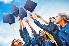 Τα πέντε βήματα προς τη νομιμότητα   Συντάκτης: Διαλεκτή Αγγελή  Ενα πρώτο βήμα προς τον έλεγχο της ιδιωτικής εκπαίδευσης από την Πολιτεία αποτελεί η χθεσινή εγκύκλιος που εστάλη από το υπουργείο Παιδείας προς όλες τις Διευθύνσεις Δευτεροβάθμιας Εκπαίδευσης της χώρας για άμεση διεξαγωγή ελέγχων των στοιχείων άδειας ίδρυσης των ιδιωτικών σχολείων δευτεροβάθμιας εκπαίδευσης. Συγκεκριμένα σε συνεργασία με τις φορολογικές και ασφαλιστικές υπηρεσίες του Δημοσίου οι αρμόδιες Διευθύνσεις…