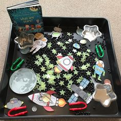 teddy_bears_childminding ⭐️ 'catch a star' tray ⭐️ Eyfs Activities, Alphabet Activities, Spring Term, Oliver Jeffers, Primary Education, Imaginative Play, Teddy Bears, Light In The Dark, School Ideas