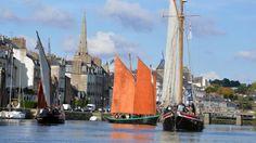 Redon. Bogue d'or : la parade des bateaux traditionnels