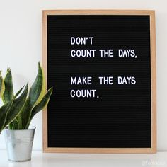 Black felt letterboard L oak (incl. Work Quotes, Cute Quotes, Quotes To Live By, Best Quotes, Funny Quotes, Sign Quotes, Felt Letter Board, Felt Letters, Felt Boards