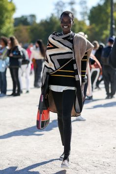 If only we could make a blanket and leggings look this chic.
