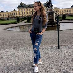 🌸Poland,Warsaw 🌸Young actress  👻icia4ever Nothing happens without a reason.